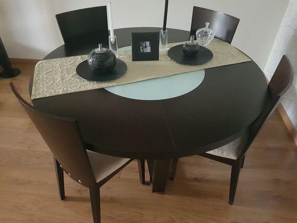 Mesa jantar c/4 cadeiras wengé em bom estado.