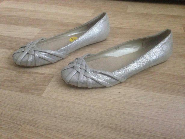Туфли балетки новые 39размер