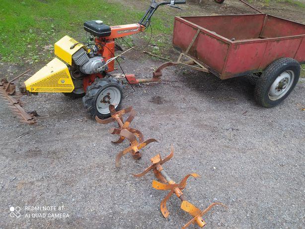Traktorek ogrodowy FORTSCHRITT E930 glebogryzarką kosiarką i przyczepk