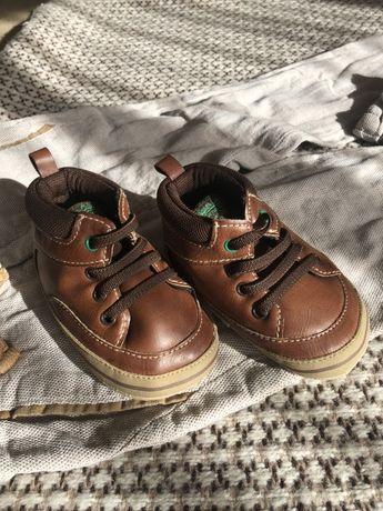 Взуття для хлопчика коричневого кольору, розмір 6-9 місяців Carter's