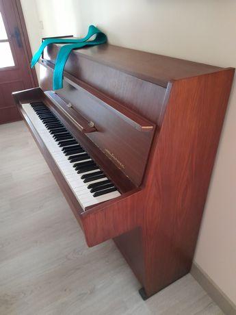 Piano vertical Zimmerman