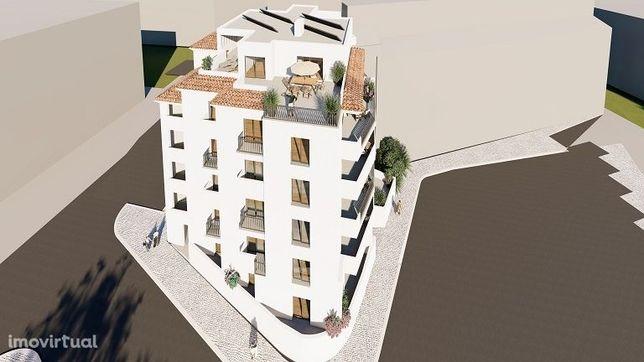 Apartamento T2 térreo em construção em área residencial de Lagos