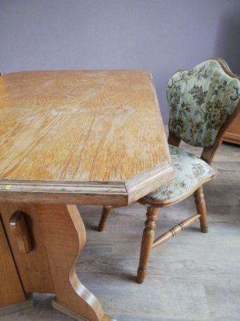 Sprzedam Stół i krzesła   zestaw stół drewniany + 2 krzesła