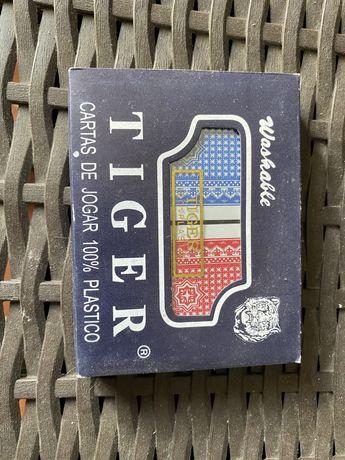 Baralho de cartas profissional da Tiger 100% plastico 2 baralhos novos