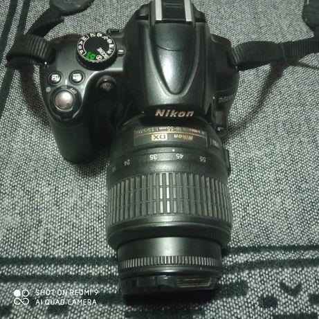 Nikon D 5000 продам срочно
