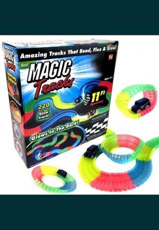 Светящийся трек, magiс traks для детей, с машинкой на 220 деталей