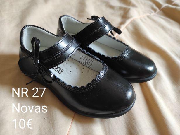 Sapatos pretos NR 27