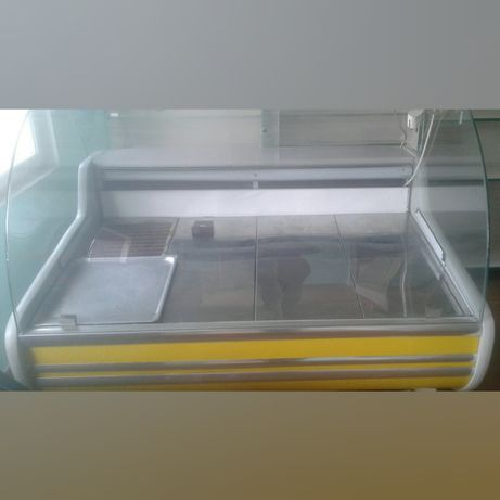 Продається холодильна вітрина
