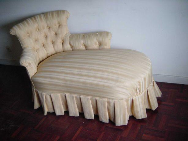 Chaise longue séc XIX Napoleão III - restaurada e estofada de novo