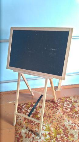 Продам досочку для малювання, у доброму стані.