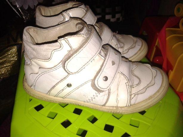 Кожа деми ботиночки Бартек для девочки 25 р