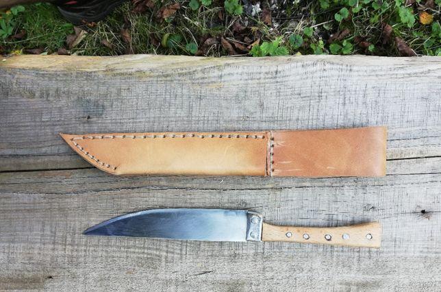 Nóż z pochewką, ręcznie robiony