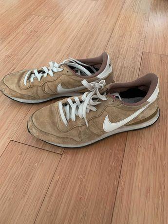 Sapatilhas Nike camurça bege tamanho 42