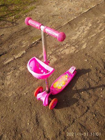 Самокат розовый для девочки