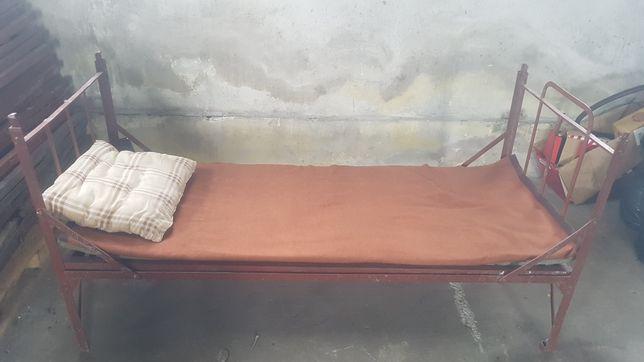Łóżka wojskowe  metalowe piętrowe  materace wojskowe