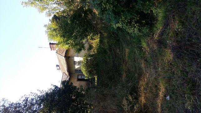 Продам будинок у центрі м.Щирець,землю 10 с.,перша лінія під комерцію.