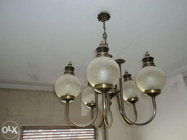 Lustre Vintage, candeeiro de tecto, impecavel. Pode funcionar com leds