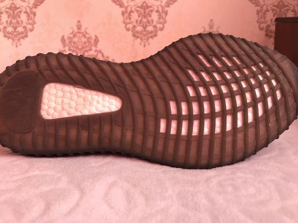 Прадам Adidas yeezy black