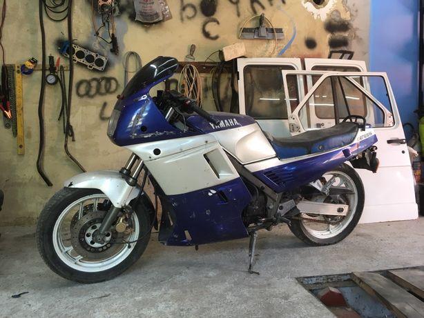 Yamaha fz 750 genezis