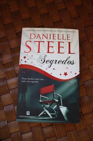 Livro: Segredos - Danielle Steel