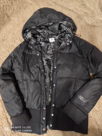 Продам куртку фирмы Danza