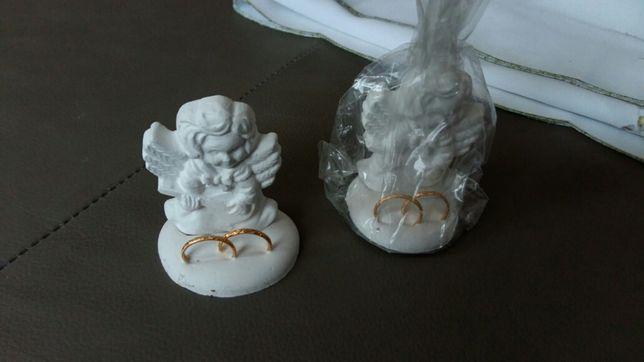Ozdobne aniołki ślubne