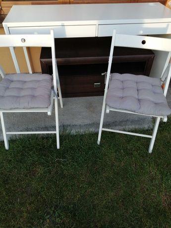 Biurko z krzesłami Ikea