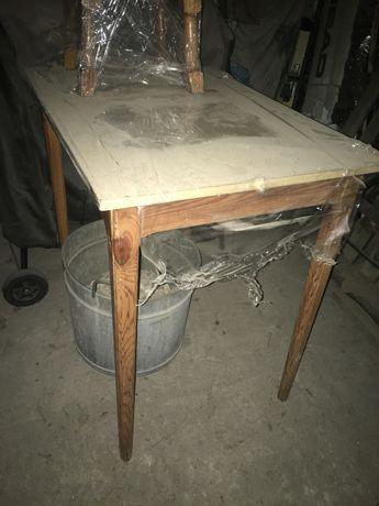 Stół plus 4 stołki ,taborety drewniane