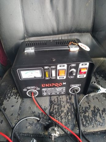 """Продам зарядное автомобильное устройство """" Днипро-м"""" ВС-16"""