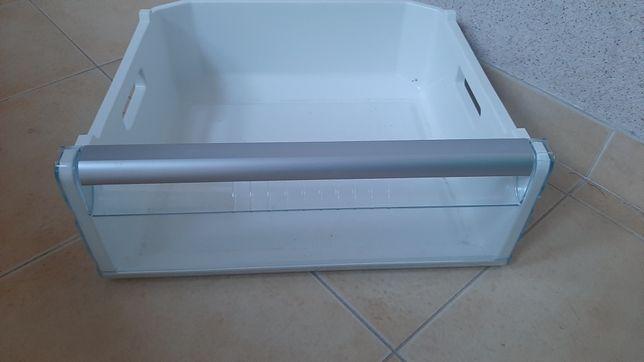 Vendo prateleiras e gavetas de frigorifico