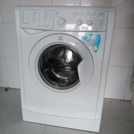 Máquina lavar roupa indesit 7kg, entrego