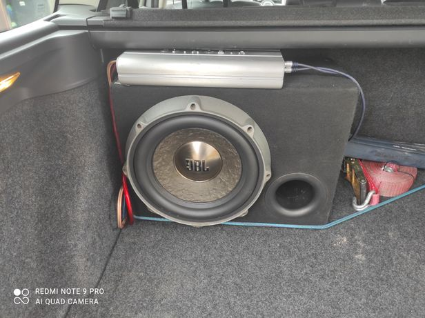 Skrzynia basowa JBL / tuba /subwoofer