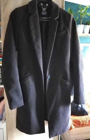 Czarny płaszcz Atmoshere