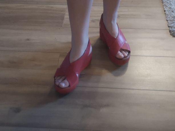 Buty firmy Nuovo, roz 37