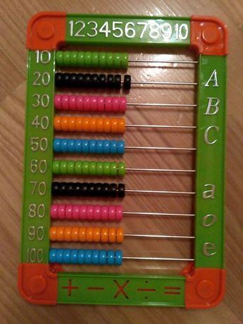 15zł Liczydło plastikowe z podpórką,kolorowe