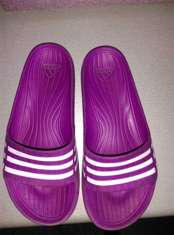 Klapki Adidas. R.31/32