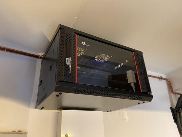 Instalacja Routera Szafy Switch Internet w domu biurze firmie serwer