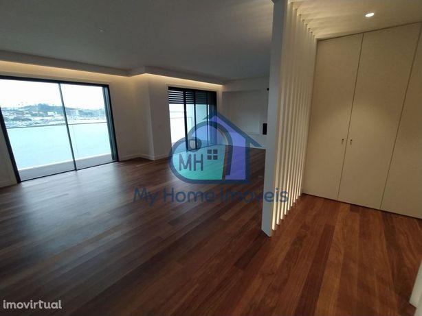 Fantástico apartamento T3 com magnificas vista para rio Douro e mar