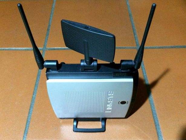 Router LINKSYS Wireless-N Gigabit With Storage Link - WRT350N