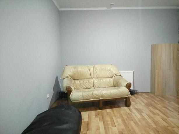 Однокімна квартира студія в сучасному стилі в ЦЕНТРІ з євроремонтом.