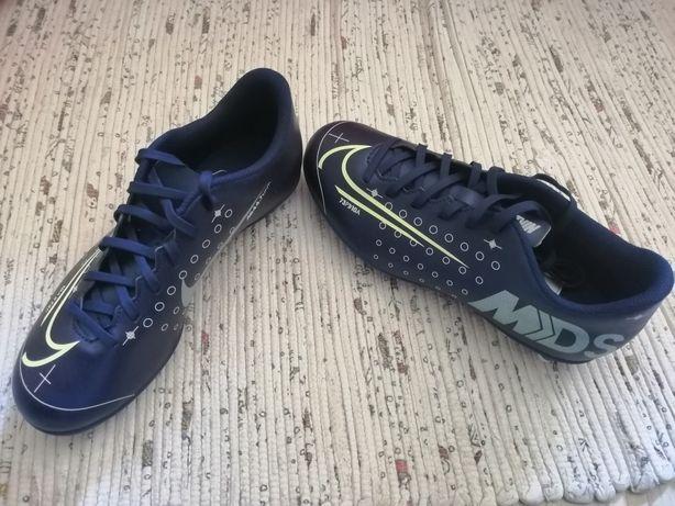 Chuteiras Nike n38,5