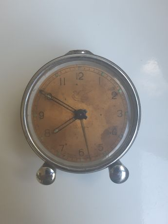 """Антикварный механический будильник часы """"Мир"""""""