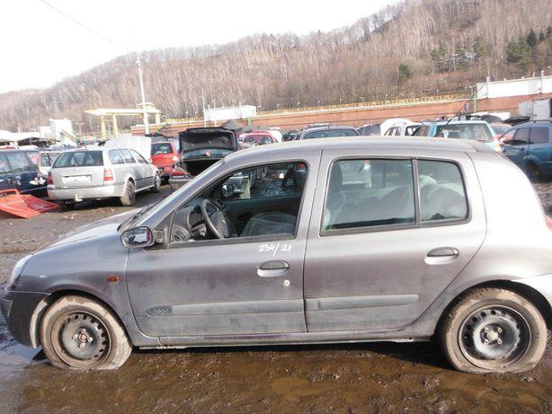 Renault Clio II 1,4 błotnik, części FV transport /dostawa