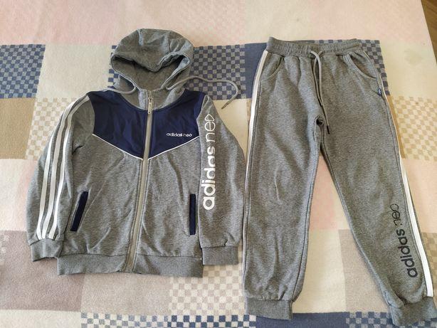 Спортивный костюм Adidas на мальчика 140р