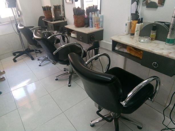 Material de cabeleireiro- 1735Lx- Aceitam-se Propostas!!