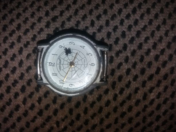 Часы japona б/у.