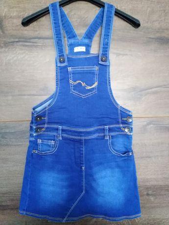 Sukienka jeansowa na szelkach, 134 cm, Next