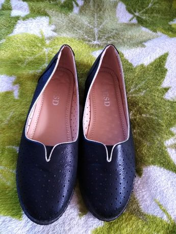 продам взуття(балетки)
