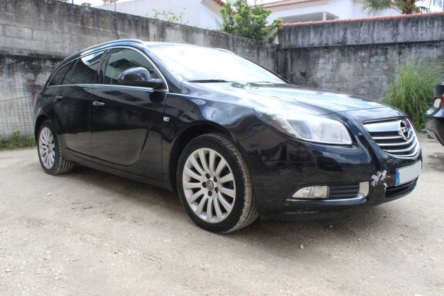 Opel Insignia 2.0 CDTi Ano 2009 com 151.000 km