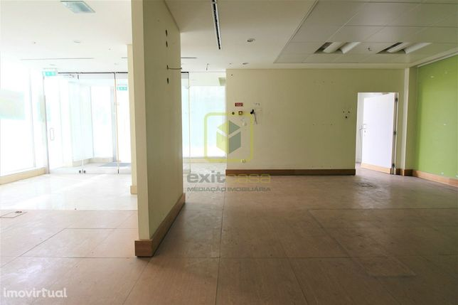 Loja, 127,26 m², Esgueira